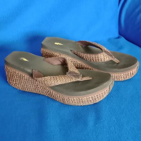 Volatile Wedge Flip Flops size 8